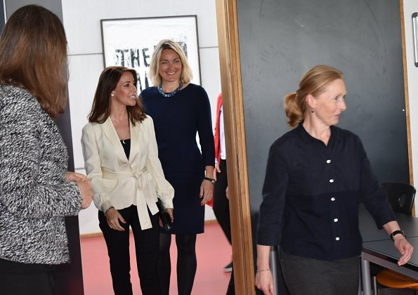 Princess Marie wore white belted fitted jacket. Theory clothing belted fitted jacket. Naledi Copenhagen
