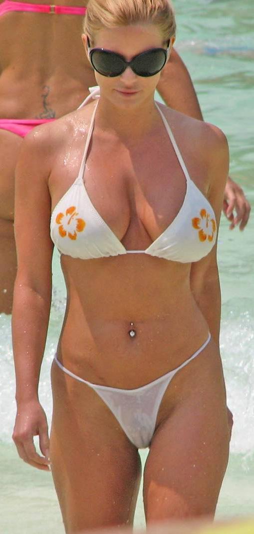 jessica simpson tits