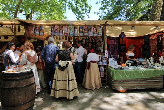 Mercado en el parque de la Alameda del Tajo