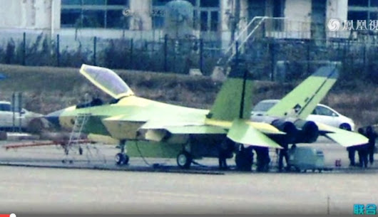 Improved J-31 FC-31 Gyrfalcon Fifth Gen Stealth Fighter Aircraft Makes Debut