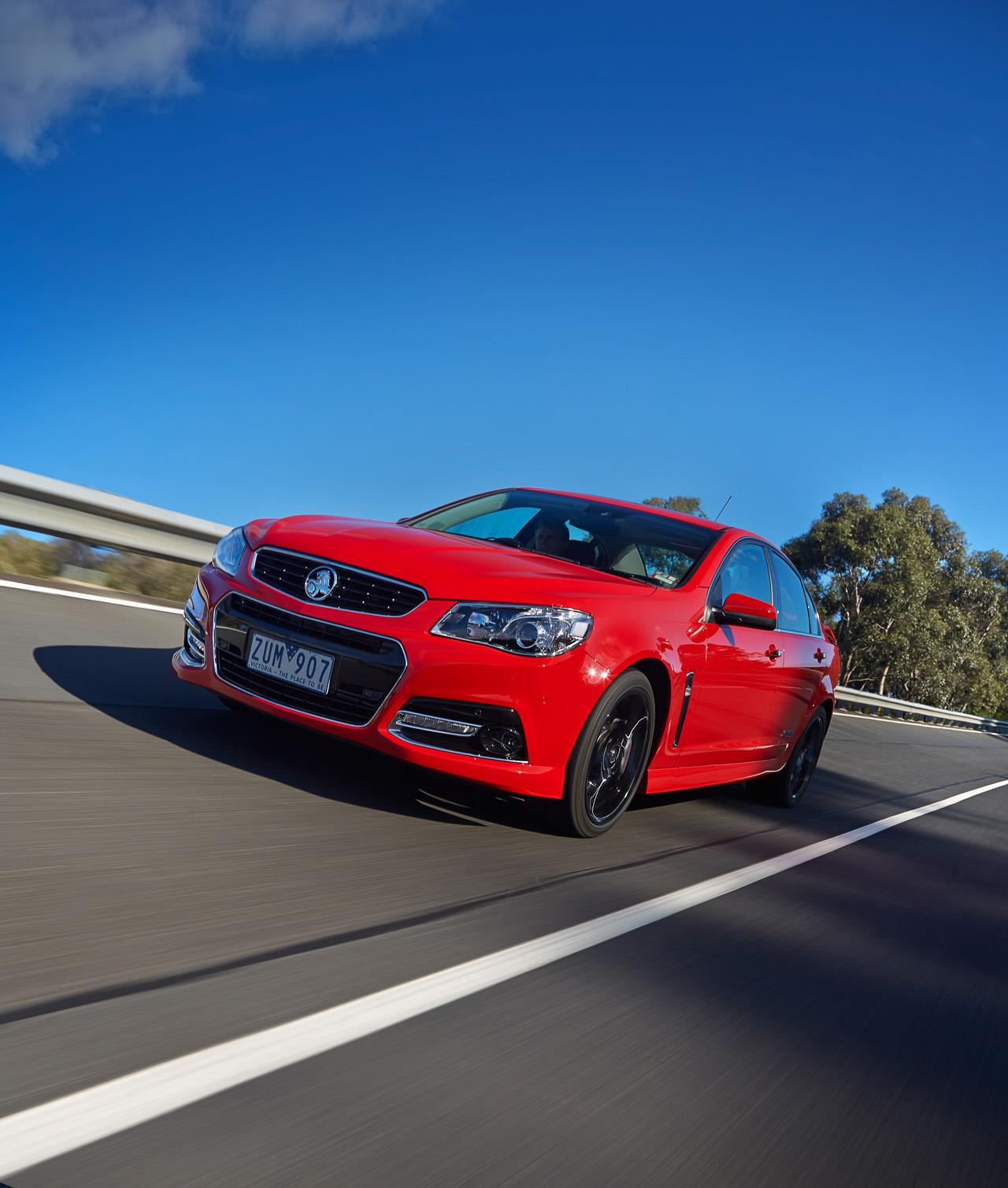 © Automotiveblogz: 2014 Holden VF Commodore SS V Redline