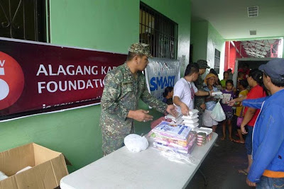 Smart has also joined the Alagang Kapatid Foundation relief operations in Mandaluyong