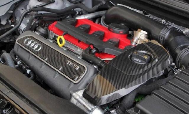 2018 Audi RS Q3 Engine