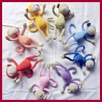 Mini monos a crochet