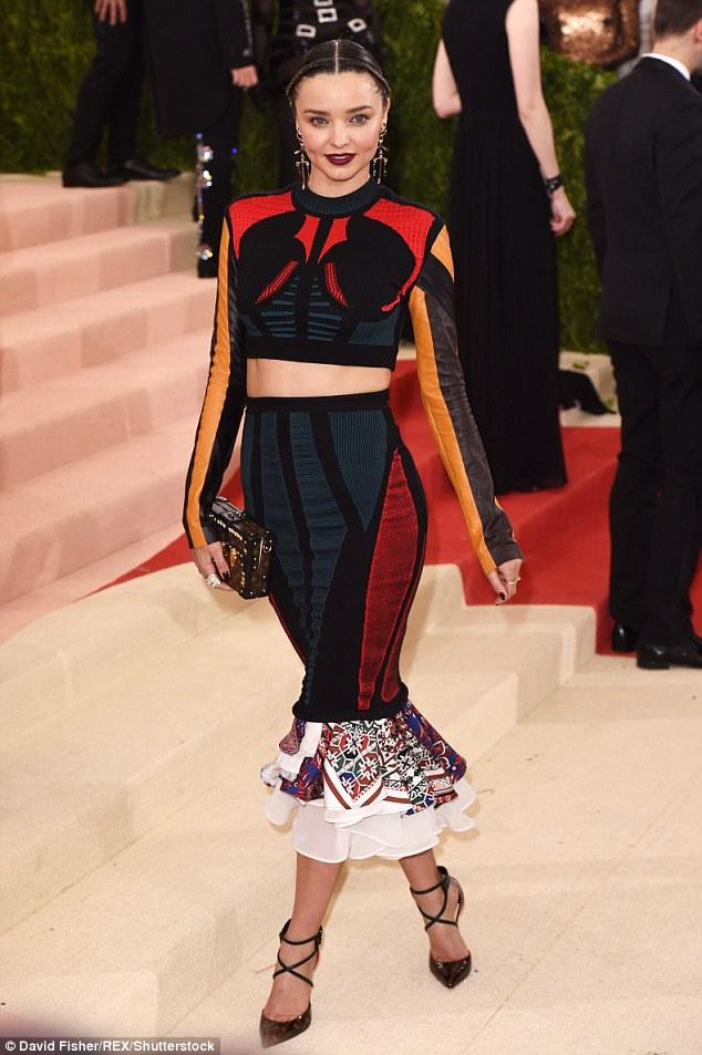 Miranda Kerr shows toned physique at the Met Gala 2016