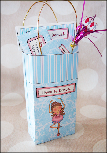 Funny Ballerina: Free Printable Favors Bag.