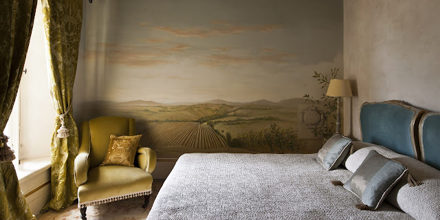 Breathtaking suite at of the Italian villa Borgo Santo Pietro - found on Hello Lovely Studio
