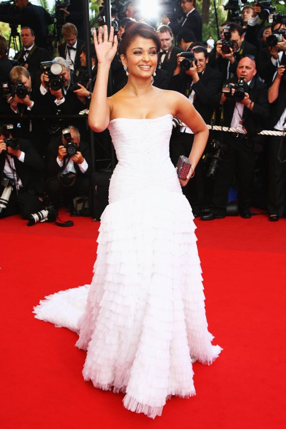 Hindi Actress Aishwarya Rai Wearing Hot White Dress
