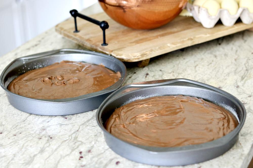 caramel-cocoa-fudge-cake-homemade-delicious