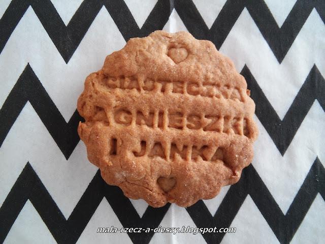 Przepis na szybkie jesienne ciasteczka korzenne