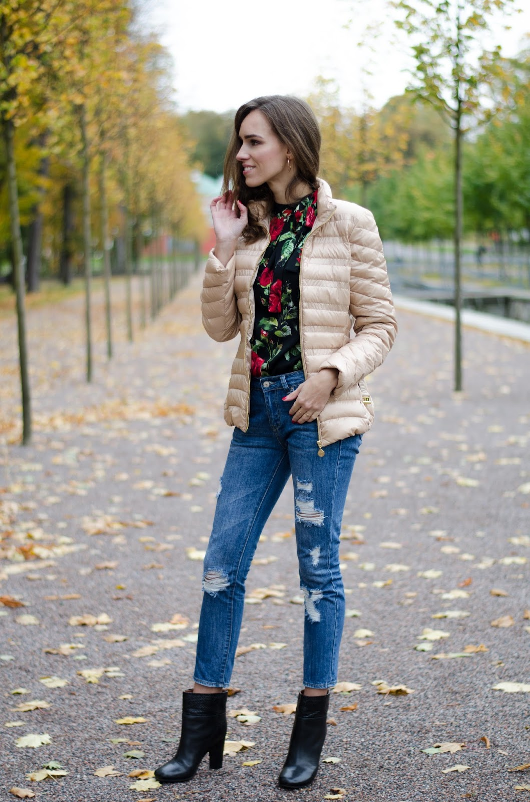 floral print top skinny jeans fall fashion
