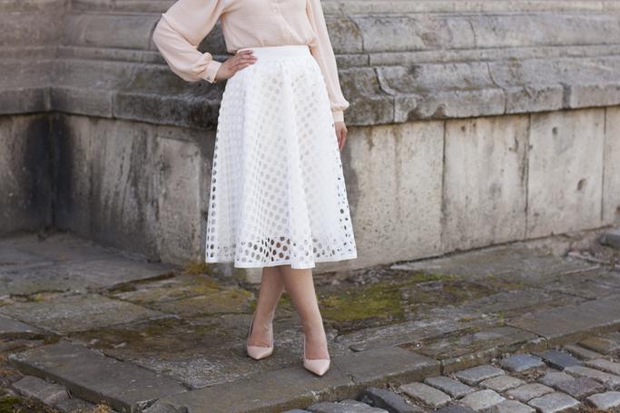 the white midi skirt details
