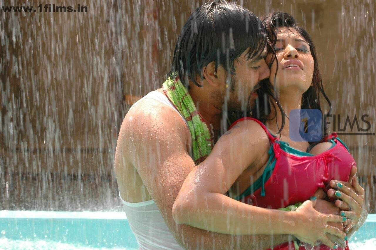hot tamil actress oviya press wet top spicy picture