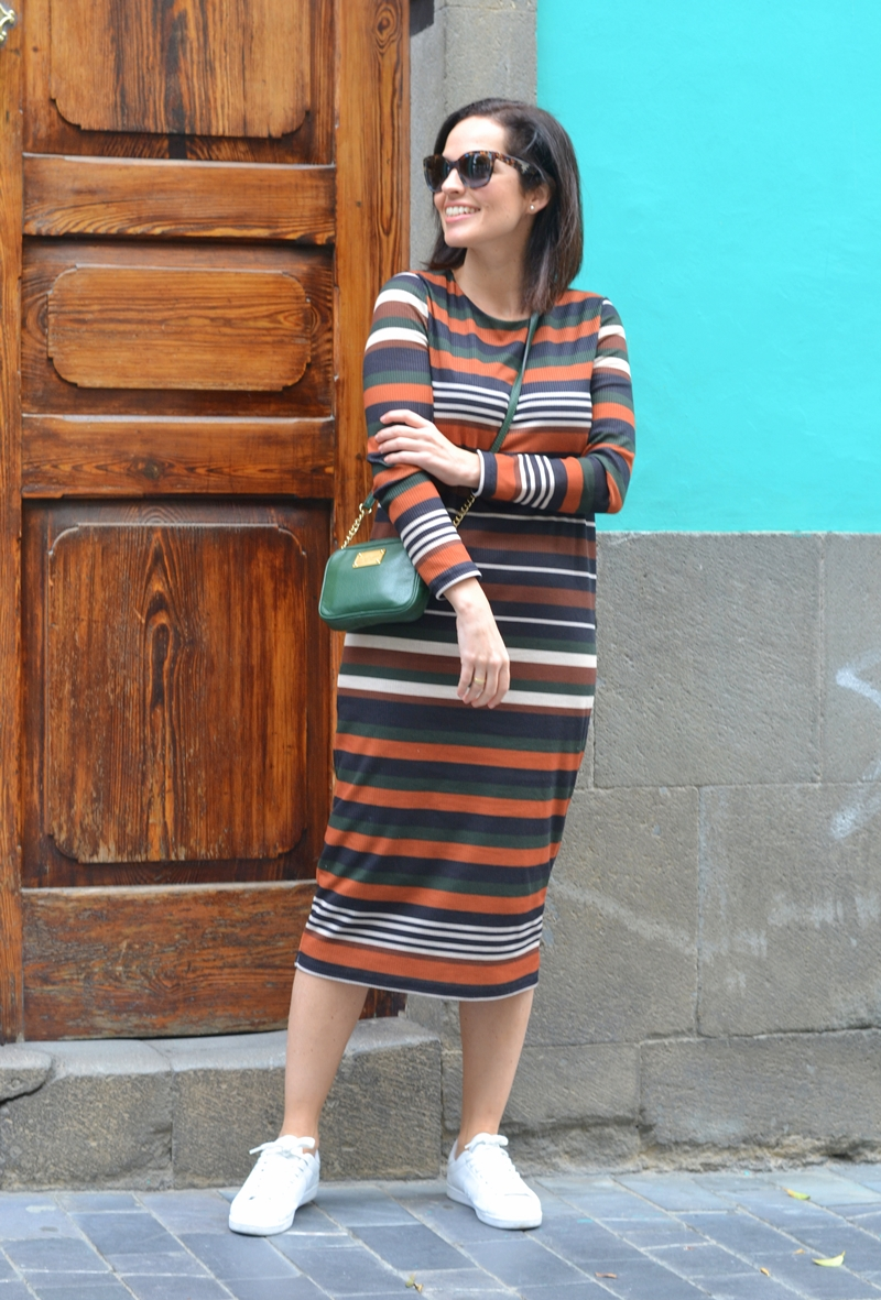 stripes-dress-street-style-casual-outfit