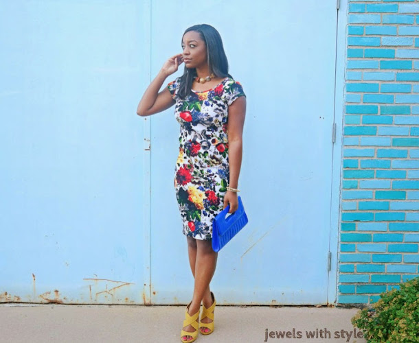 jewels with style, how to wear a midi dress, fall trends,  floral print dress, how to wear floral print, black fashion blogger, floral midi dress, bodycon dress