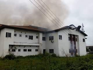 DEVELOPING STORY: TRAGEDY AS FIRE COVERS COMPLETELY FEDERAL UNIVERSITY OF TECHNOLOGY OWERRI (FUTO) ICT CENTER
