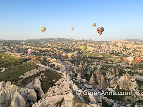 Uçhisar'dan Göreme'ye balonlar ile kaplı Kapadokya