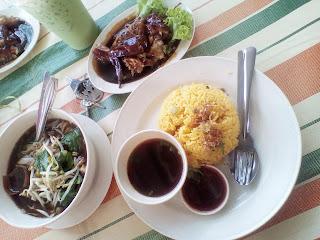 VIRAL : WARONG HIJRAH BIHUN SUP THAI RM5