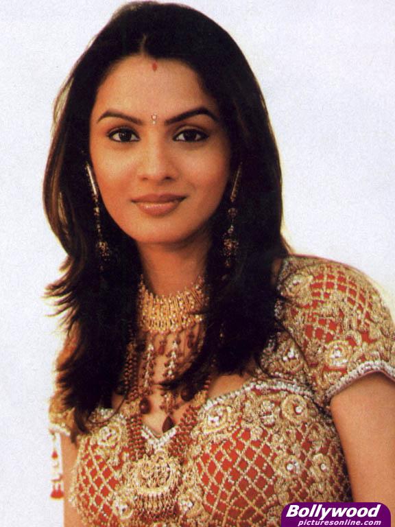 Bollywood portal pallavi kulkarni hot look pic