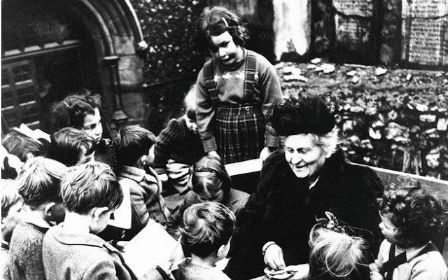"""""""Maria Montessori e a criança no centro""""."""