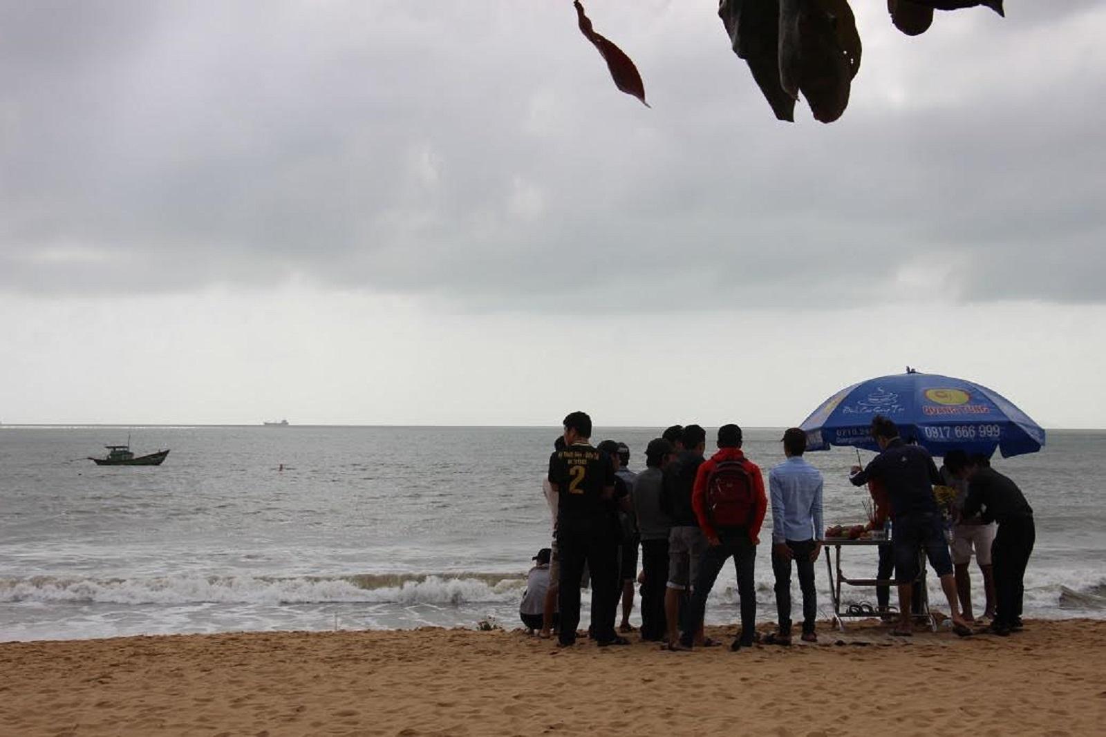 Tắm biển Quy Nhơn, 2 sinh viên quê Gia Lai mất tích