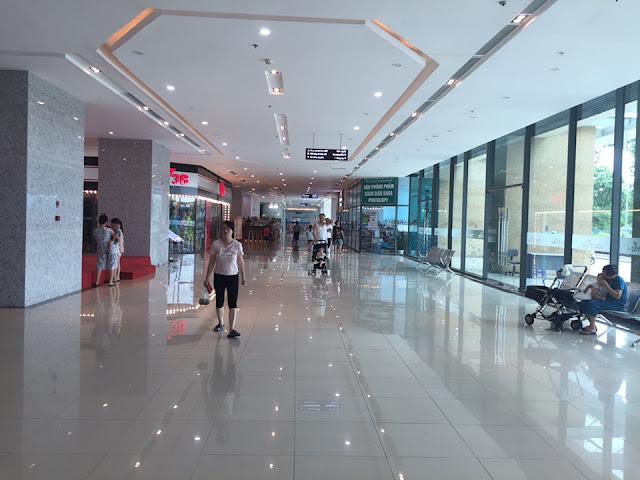 Sảnh trước của khu trung tâm thương mại