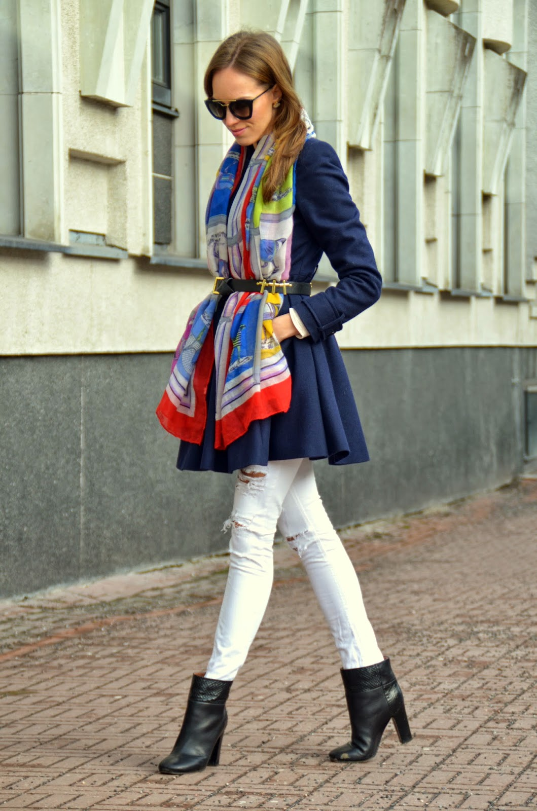 spring-outfit-fashion-blue-coat-scarf-white-jeans-ankle-boots kristjaana mere