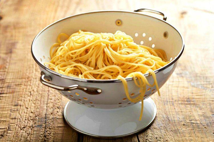 Dünyanın en çok makarna ve peynir tüketilen ülkesi olarak bilinmektedir.