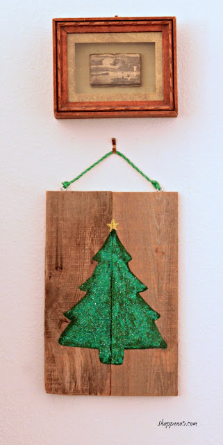 http://www.shoppeno5.com/how-to-make-a-reversible-christmas-sign/