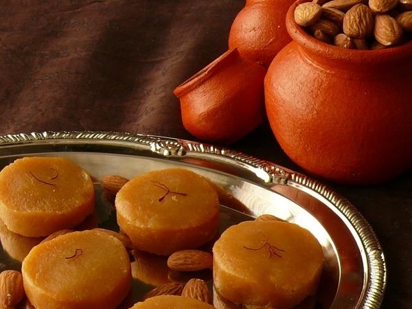 http://www.indianlazizkhana.com/2016/06/diebetic-special-sugar-free-kesari.html