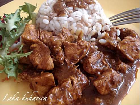 Laka kuharica: This simple and tasty chicken curry includes aromatic spices simmered in a tomato-based sauce.
