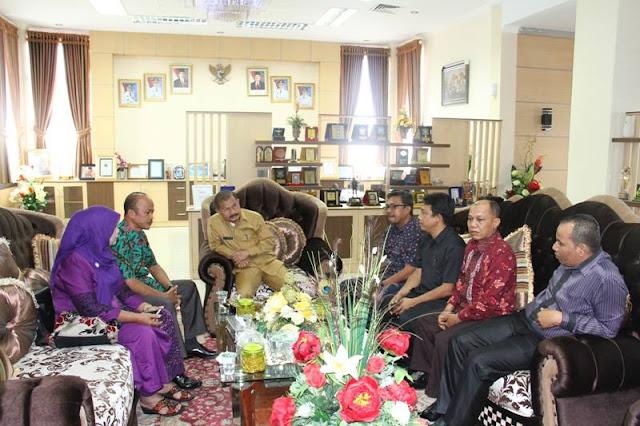 Ketua PKDP Pekanbaru Terpilih Agusman Sikumbang Bersilaturahmi Dengan Bupati Padang Pariaman Ali Mukhni.