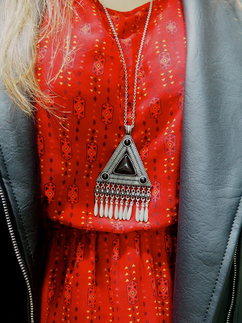 Be Bold | outfit jewellery details of chunky black and silver triangle long pendant necklace