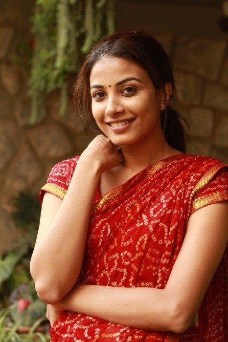 Kavya Shetty Fan Blog: Kavya Shetty Sizzling Hot Pics