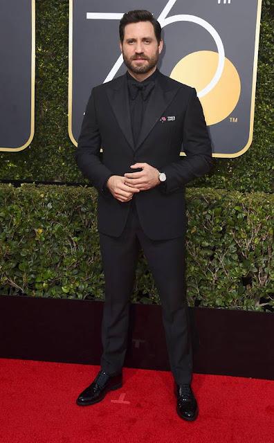 Golden Globes 2018, Red Carpet, Alfombra Roja, Tuxedos, Trajes, Ternos, Hombres, Looks, Outfits, Premiación, Masculinos, Estilismos, Vestir bien, Edgar Ramírez