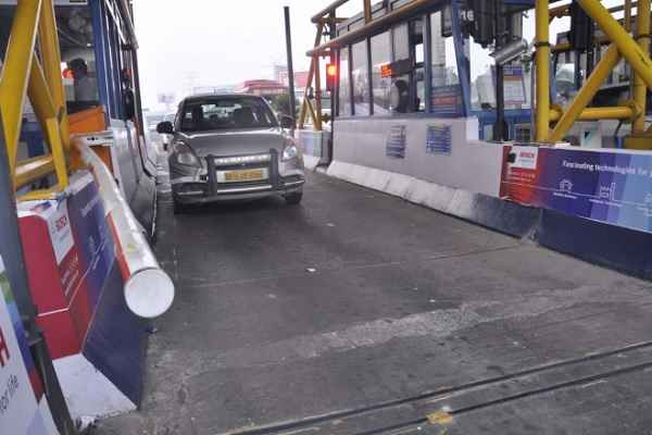Toll collection on national highways to resume from midnight