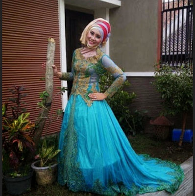 gaun pengantin modern dengan kombinasi warna yang berbeda