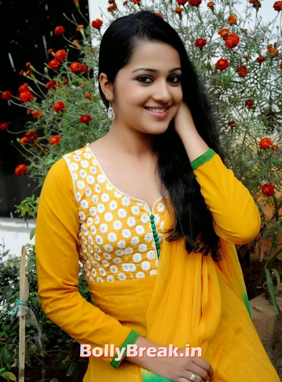 , Samskruthy Shenoy Photos in Salwaar Kameez - Tamil Bhabhi Actress