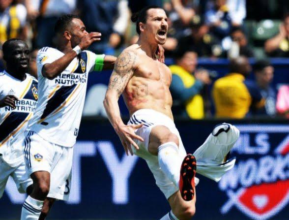Zlatan è tornato! Ibrahimovic entra nei Galaxy e rimonta il risultato