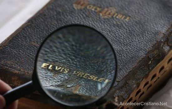 La Biblia de Elvis Presley