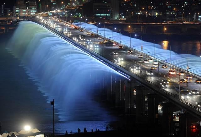 moonlight-rainbow-fountain-south-korea