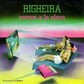Portada del sencillo: Vamos a la playa del dúo italiano Righeira (1983). La imagen muestra a la pareja en bañador con gafas futuristas y tomando un refresco con pajita frente a un televisor