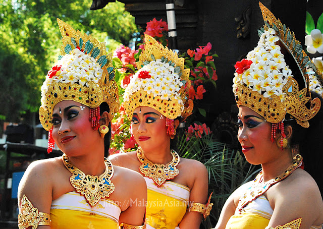 Balinese Girls in Traditional Costume