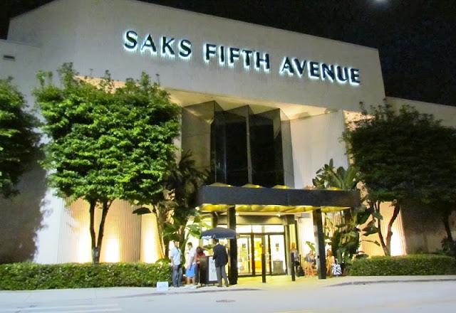 Loja Saks Fifth Avenue em Miami