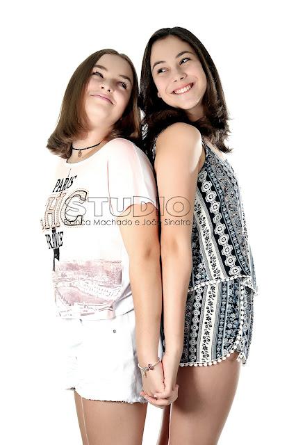 fotos de irmãs em estudio