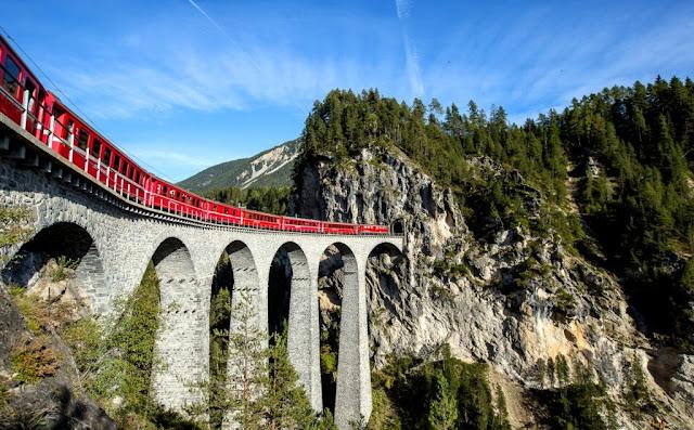 Bernina Express, Alpen, treinattractie zwitserland, Graubünden, vakantie in Zwitserland
