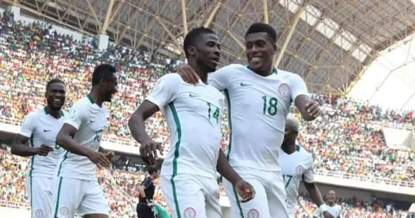 Kelechi Iheanacho celebrates goal with teammates