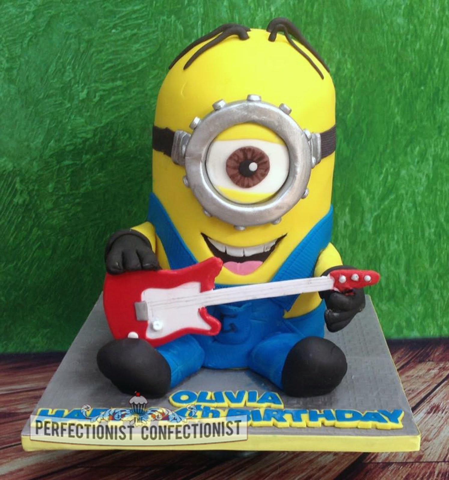 Oliva Stuart Rock And Roll Minion Cake