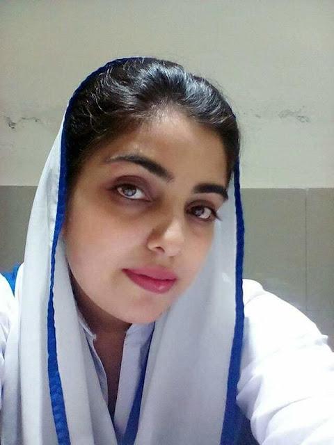 Horny Paki Girl Selfie Pics