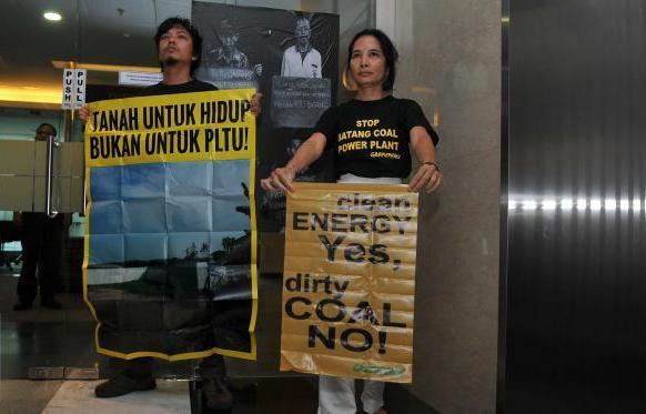 Aktivis Greenpeace desak PT Adaro kembalikan tanah warga